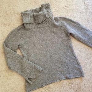 3/20$ Angora Banana republic Wool sweater